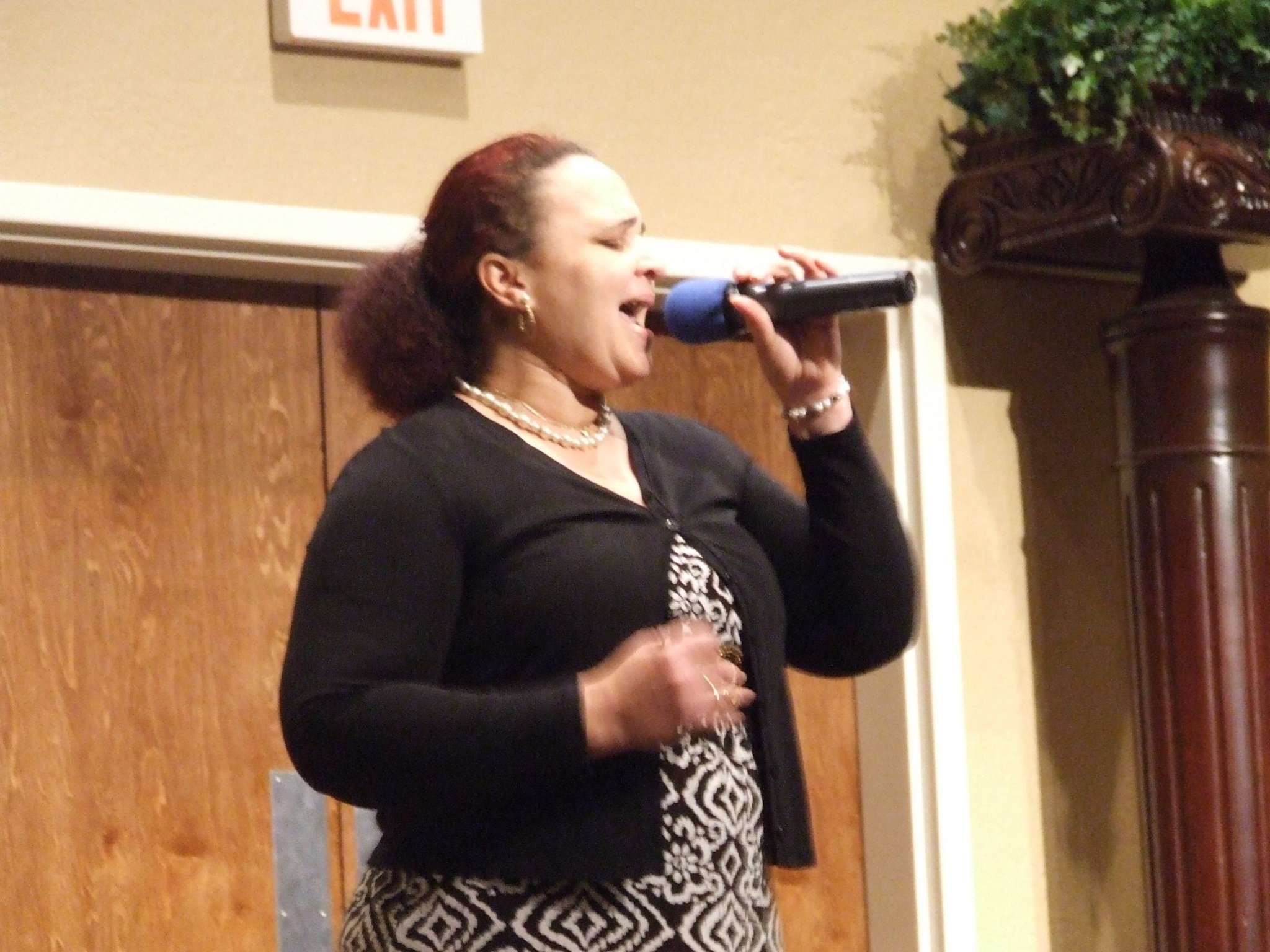 Carolyn Thompson singing